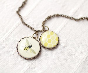 yellow-vintage-necklace