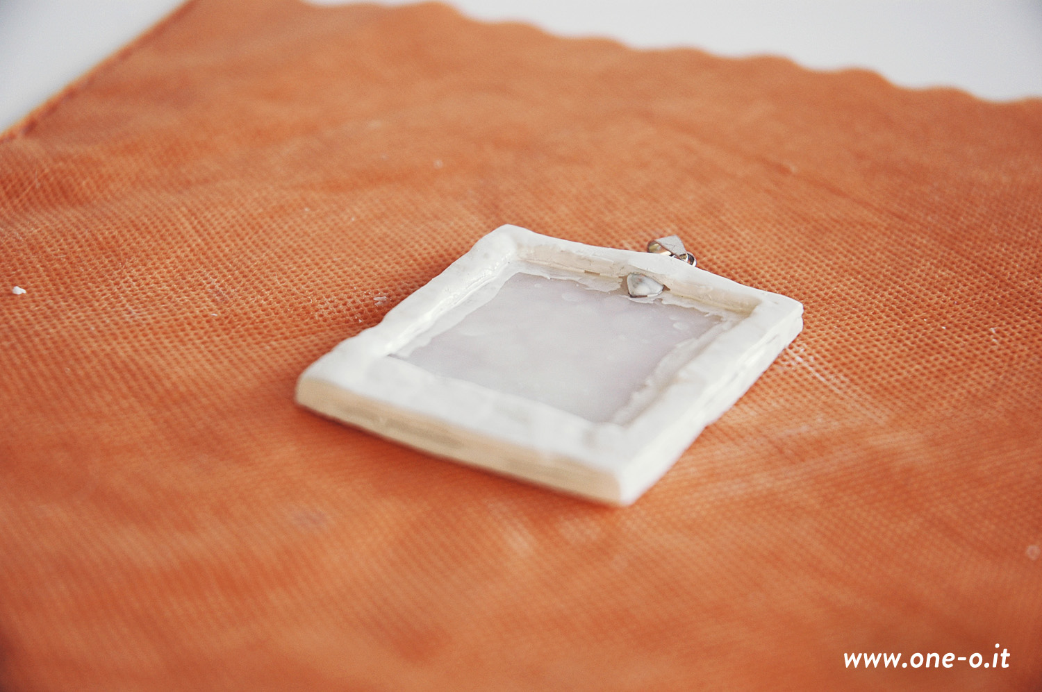 Diy polaroid necklace < One O #diy #polaroid #necklace