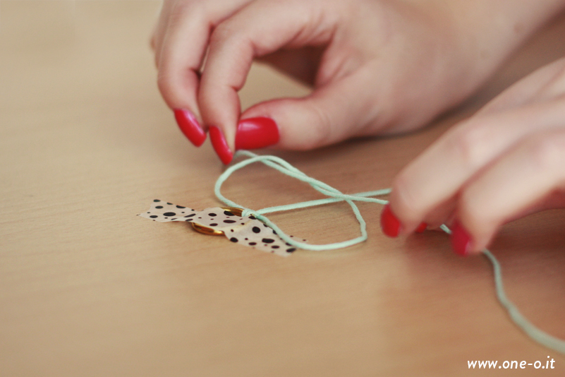 #DIY #woven #bracelet - how to | via One O Textile - www.one-o.it
