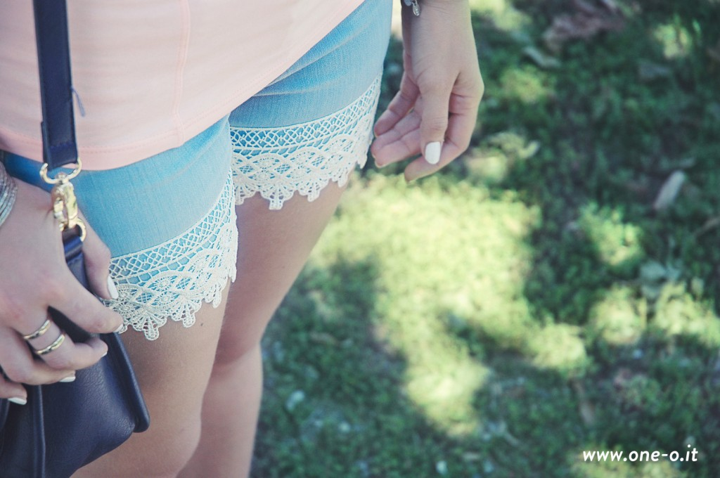 DIY boho lace shorts > One O #diy #fashion #shorts #outfit #pants #makeover #lace #style #summer