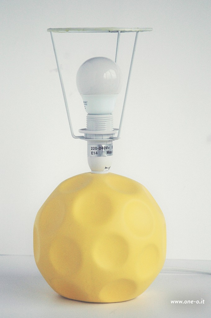 DIY lamp extreme makeover > one-o.it #diy #lamp #makeover #home #decor #interior #design #idea #polygonal #lampshade