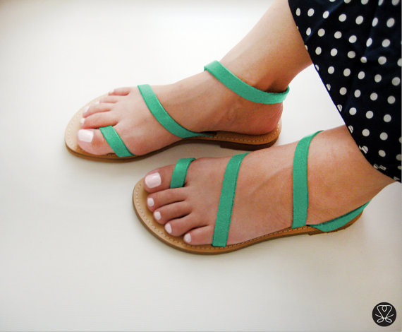 Sandelles handmade sandals on One O | via www.one-o.it | #handmade #sandals #shoes #greek #etsy