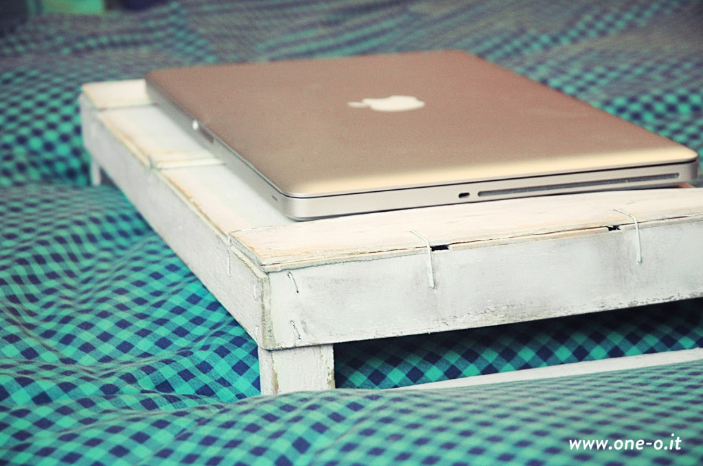 DIY tray and laptop support One O Textile #home #decor #tray #office #laptop #diy #oneo