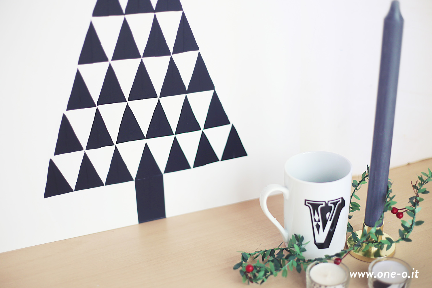 diy wall decal christmas tree one o diy. Black Bedroom Furniture Sets. Home Design Ideas
