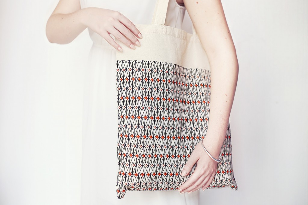 Cotton Shopper | Coral | Agnelli Boulevard Pattern