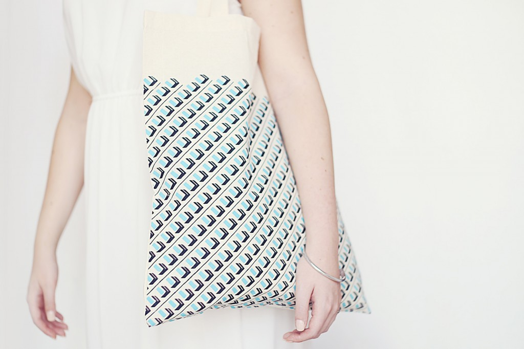 Cotton Shopper | Mint | Town Hall Square Pattern