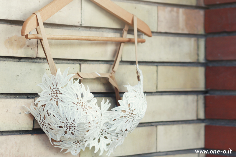 Lace top bra easy tutorial | www.one-o.it | #lace #top #summer #diy