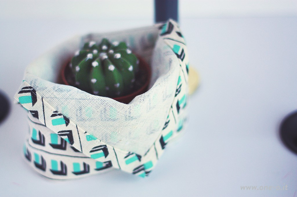 #DIY #Basket #Centerpiece from a #Teatowel OneO