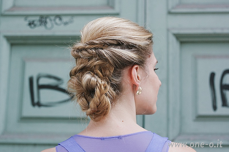 Bridesmaid Hairstyle Updo Tutorial | via www.one-o.it | hairdo short medium long hair #hairstyle #updo #hair #wedding