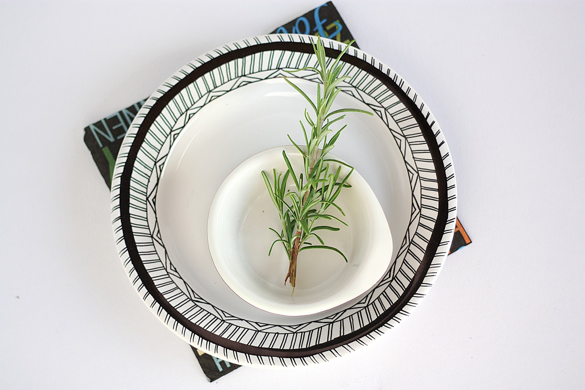 #diy #hand #drawn #plate #rosemary