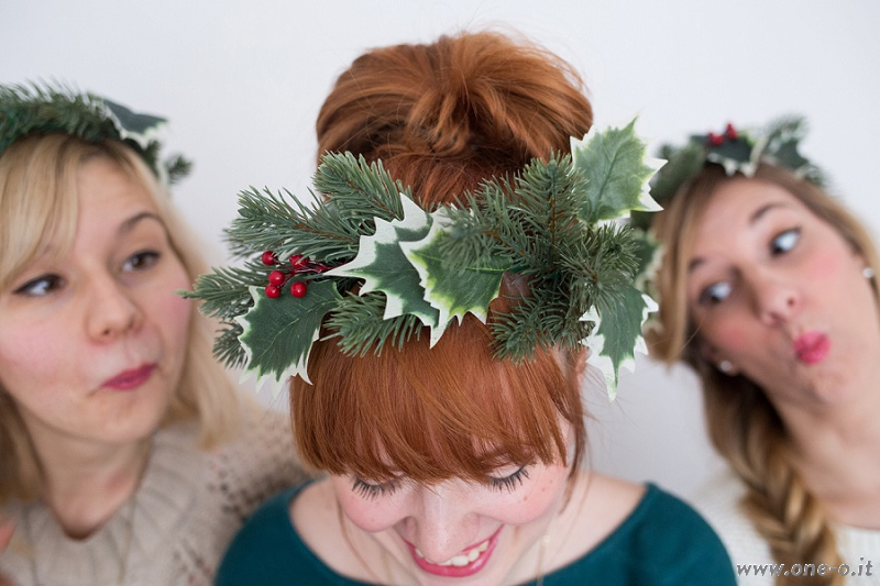 Christmas Crown - Winter flower headband| via www.one-o.it | #inspiration #holidays #christmas #crown #decor