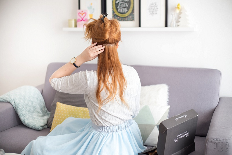 How to Clip in Irresistible me Hair Extensions + Review   via www.one-o.it   #inspiration #hair #extensions #copper #redheadl #hairstyle