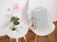 Try this easy trick and DIY outdoor pillows