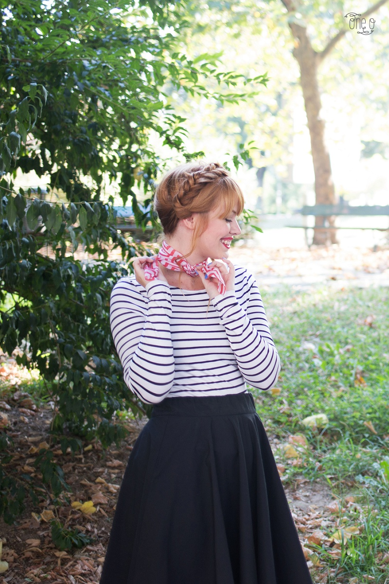 DIY Ascot Scarf - French Girl Style | How to dress like a Parisian | via www.one.o.it