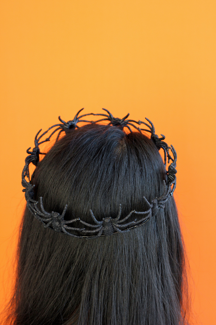 DIY Halloween hair idea - spider crown