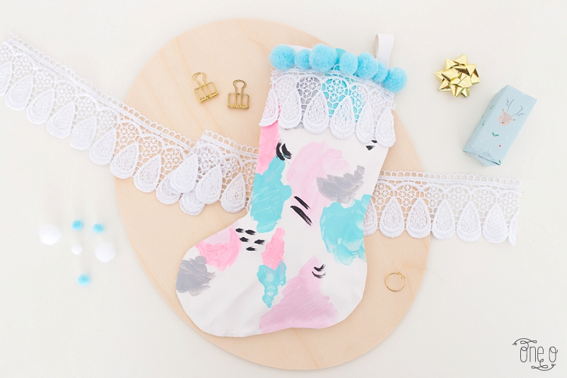 diy christmas stocking | via www.one-o.it | home decor holidays