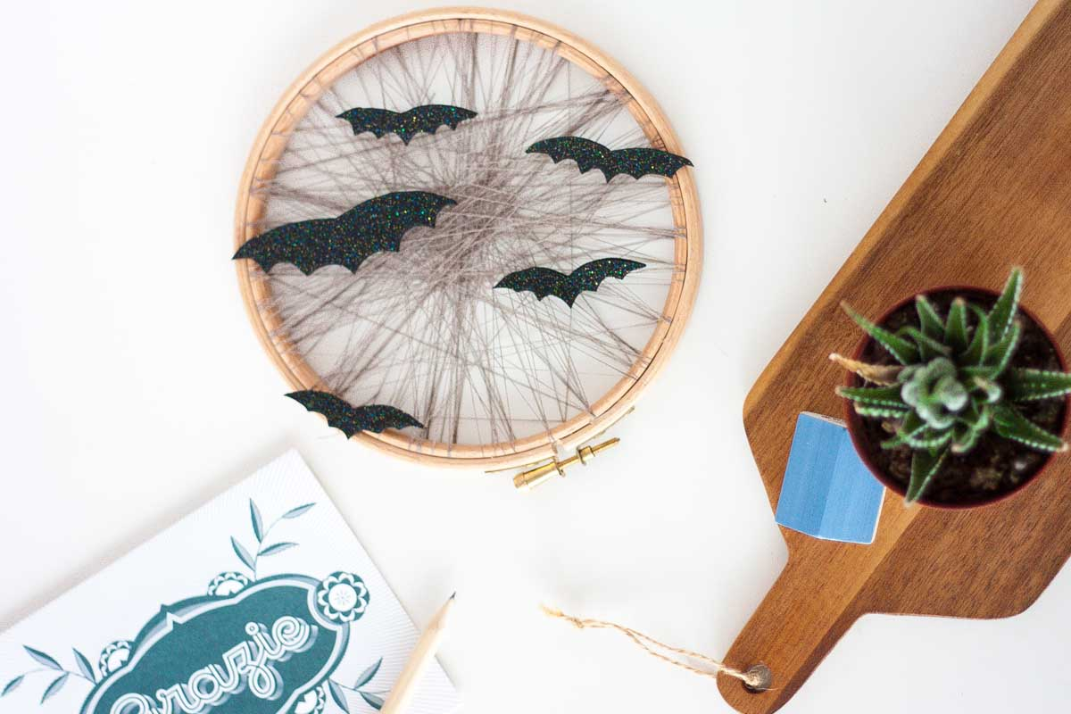 One o DIY one-o cute bat halloween home decor display wreath