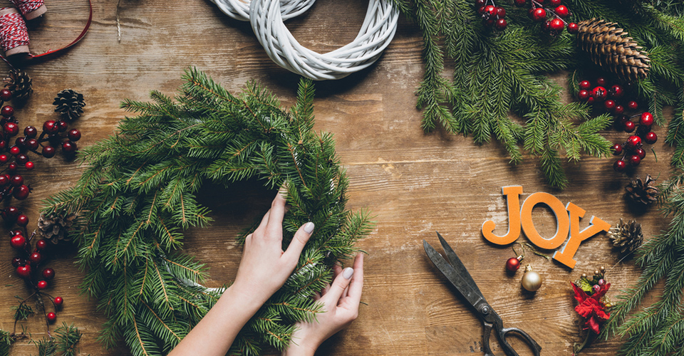 feat--DIY-Christmas-Wreath-for-Your-Home-One-O-oneo-onediy-one-o